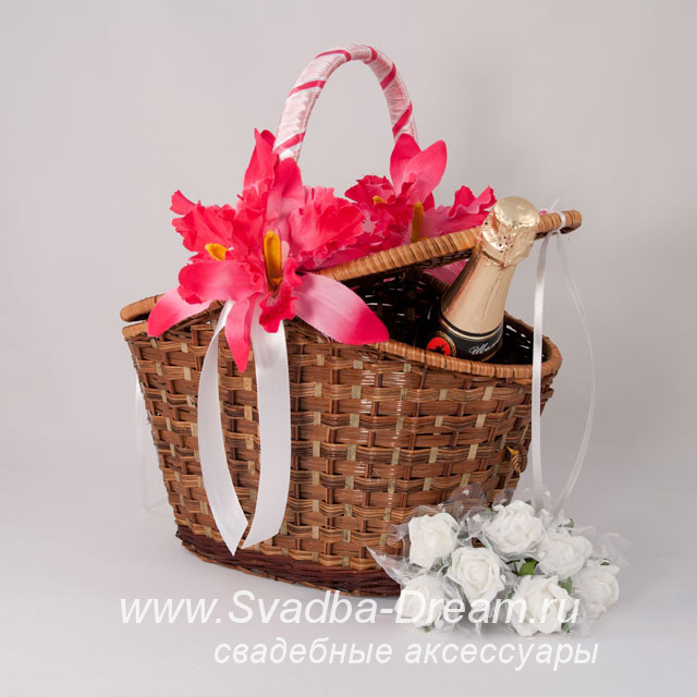 Корзина для подарков на свадьбе 73